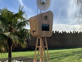 Le Kiosque à Sourires - Photobooth - Wooden selfie kiosk