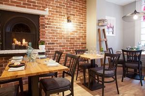Les 2 Moineaux - Restaurant room