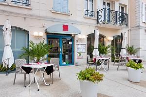 Le Carré Restaurant - Exterior