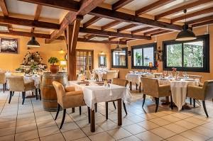 Auberge des Ris - Restaurant room