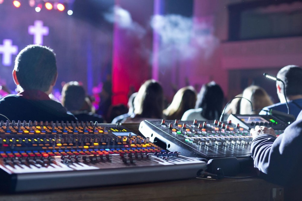 Arte de sonido y luz - sistema de sonido var