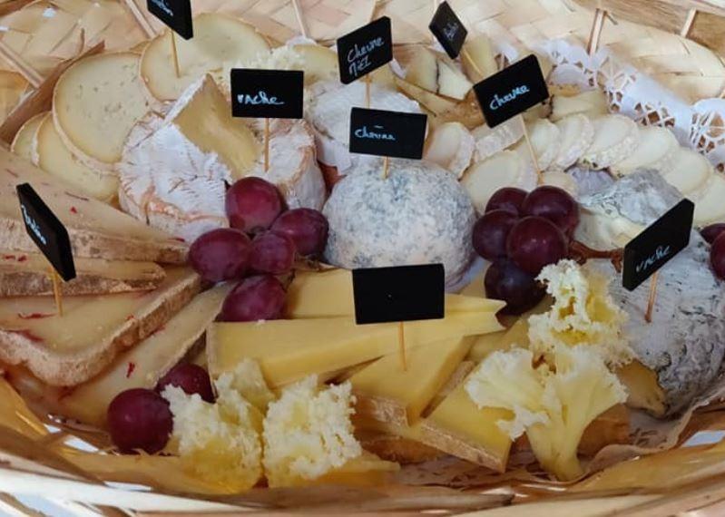Languedocmeshouitraiteurlanguedocfromage2