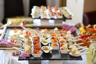 Hello Service Caterer - proveedor de servicios - TESTE DE BUCH (LA)